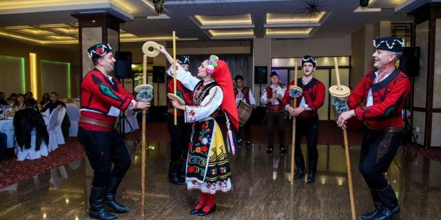 """HL-TopMix събра животновъди от цяла България в Сливен на Празнично парти """"18 години заедно"""""""